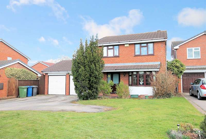 4 Bedrooms Detached House for sale in Blackwood Road, Dosthill, Tamworth, B77 1JE