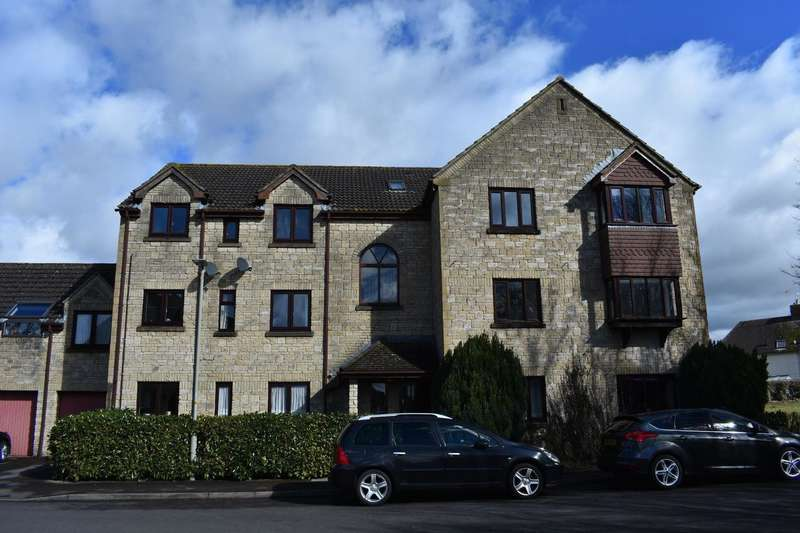 2 Bedrooms Flat for sale in Hanstone Close