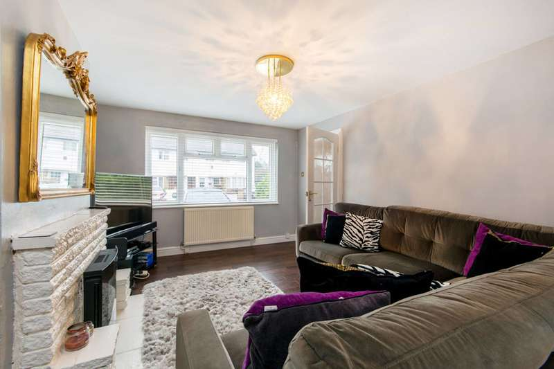 3 Bedrooms Semi Detached House for sale in Wingate Crescent, Mitcham, CR0