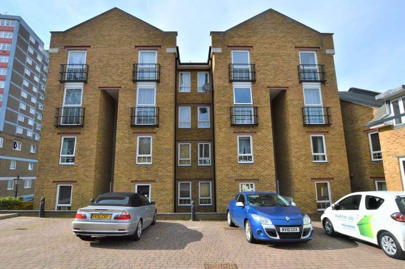 2 Bedrooms Apartment Flat for sale in Estuary Reach, Brompton ME7