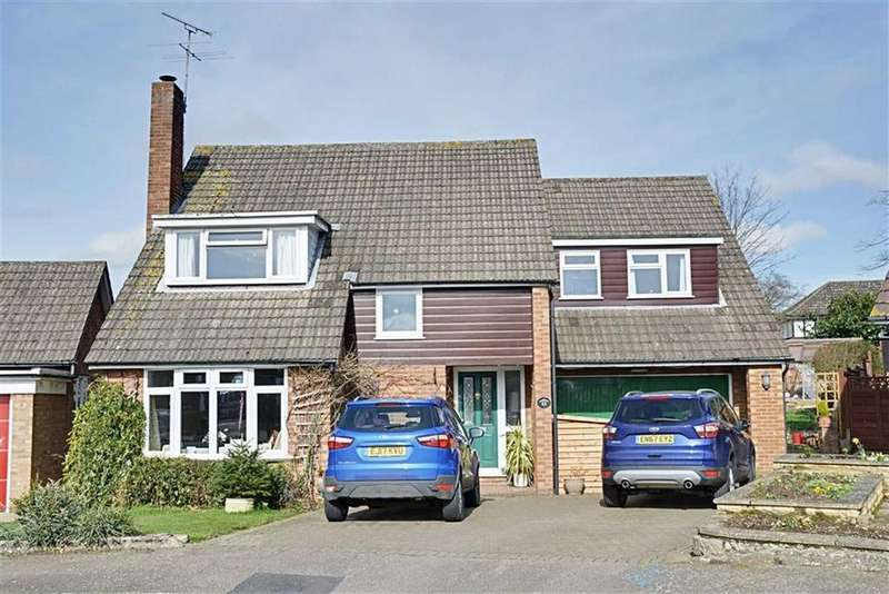4 Bedrooms Detached House for sale in Warwick Close, HERTFORD, Herts, SG13