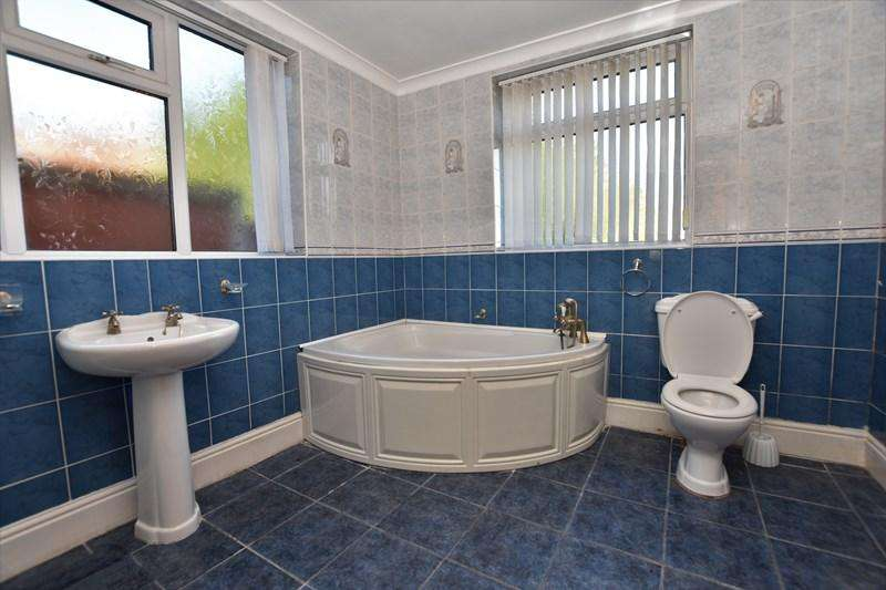 2 Bedrooms Terraced House for rent in Penncricket Lane, Oldbury