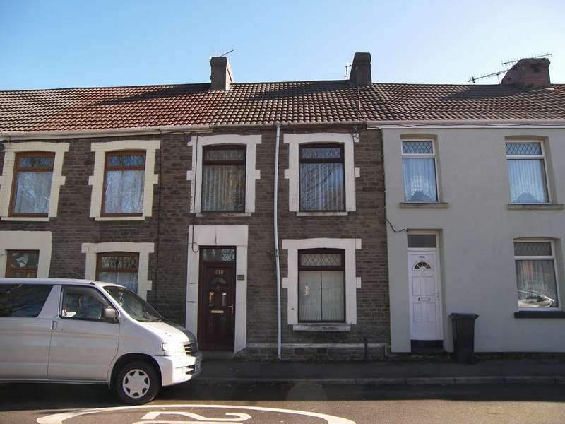 3 Bedrooms Terraced House for sale in Walters Road, Neath