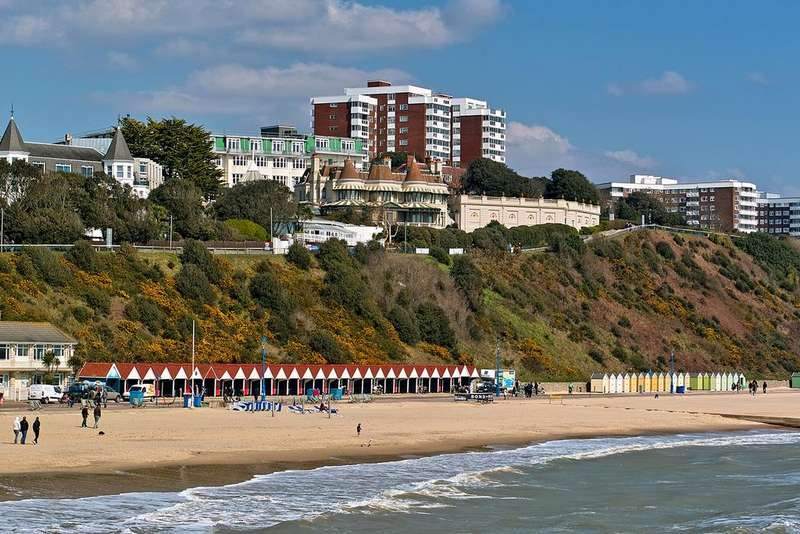 2 Bedrooms Apartment Flat for sale in Hinton Wood, 17 Grove Road, Bournemouth BH1