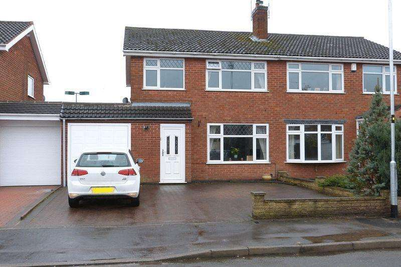 3 Bedrooms Semi Detached House for sale in Barry Drive, Syston