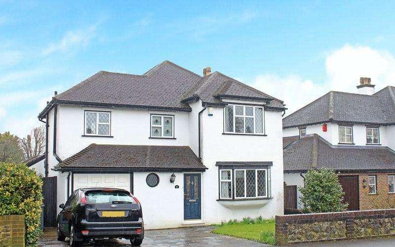 4 Bedrooms Detached House for sale in Brian Avenue, Sanderstead, Surrey