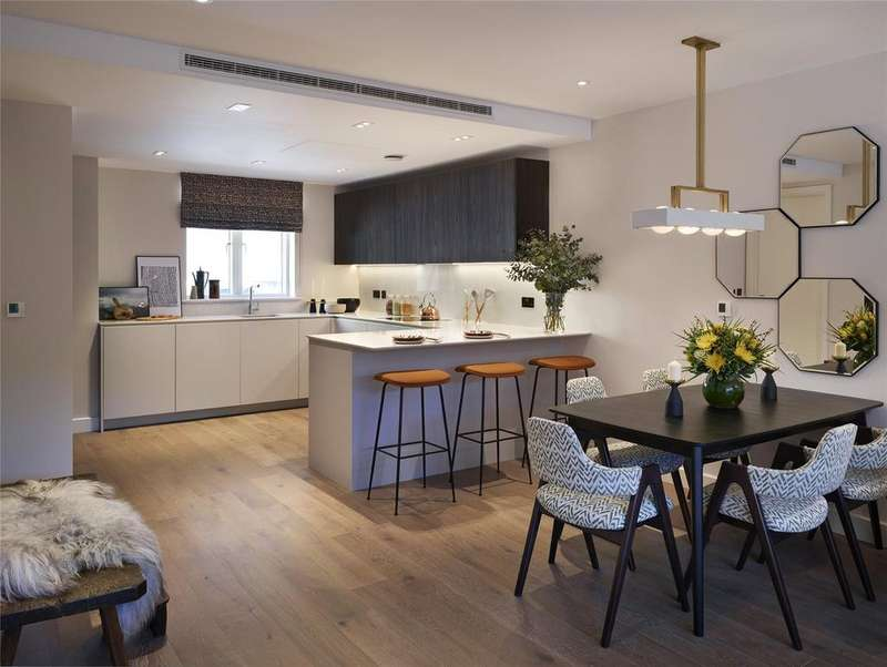 4 Bedrooms Terraced House for sale in Bishops Gate, 82-88 Fulham High Street, London, SW6