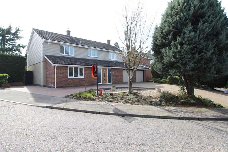 4 Bedrooms Detached House for sale in Hurnard Drive, Lexden, Colchester