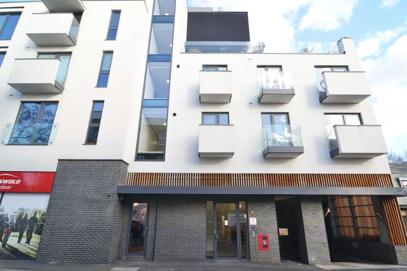 2 Bedrooms Apartment Flat for sale in Chiswick High Road, Chiswick W4