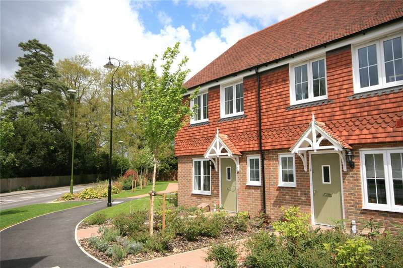 2 Bedrooms House for rent in Langmore Lane, Lindfield