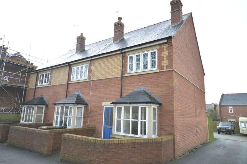 3 Bedrooms Semi Detached House for rent in Oak Street, Oswestry, SY11
