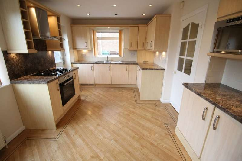 3 Bedrooms Semi Detached House for sale in Manor Lane, Ossett, WF5