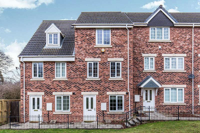 4 Bedrooms Property for rent in Oak Tree Lane, Seacroft, Leeds, LS14