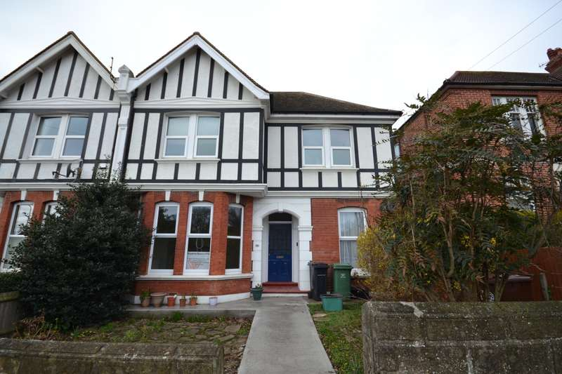 2 Bedrooms Flat for rent in Dorset Road, Bexhill On Sea, TN40