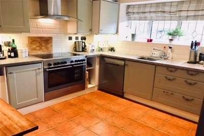 3 Bedrooms Bungalow for rent in Shutford, OX15
