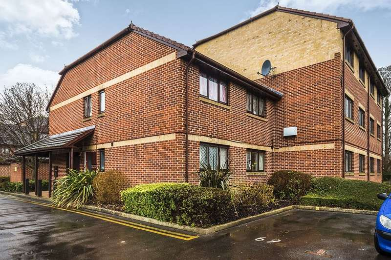 2 Bedrooms Flat for sale in Rossignol Gardens, Carshalton, SM5
