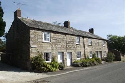 2 Bedrooms End Of Terrace House for rent in St Tudy