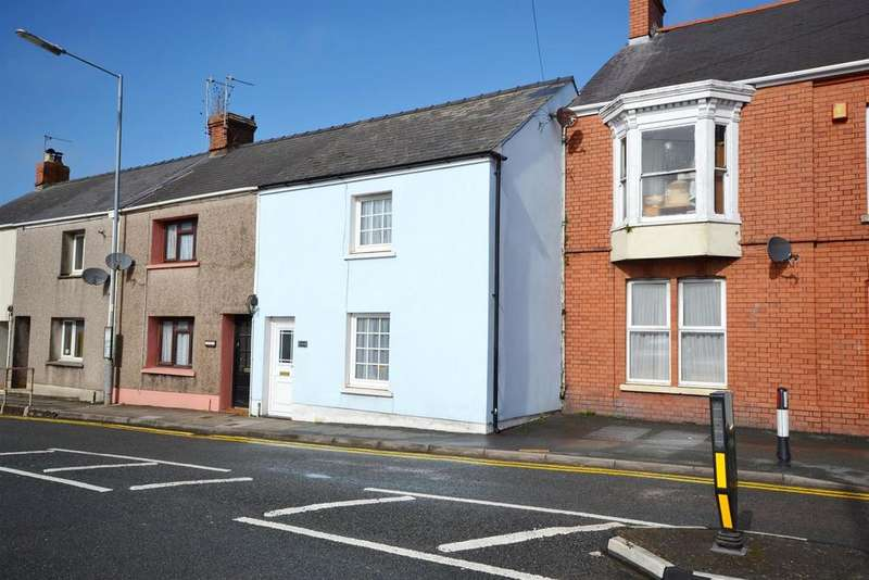 2 Bedrooms Terraced House for sale in Station Road, Pembroke