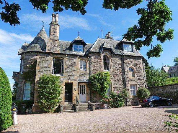 4 Bedrooms Apartment Flat for sale in Kinnoull Terrace, Kinnoull, Perth PH2