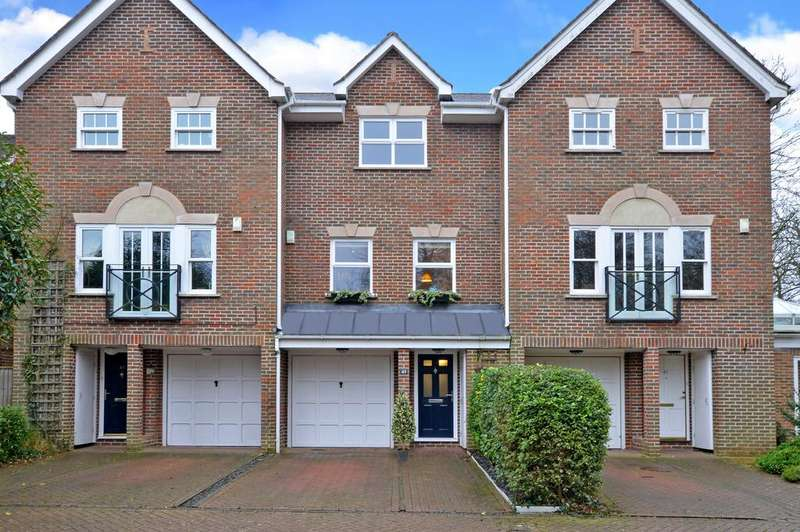 4 Bedrooms Terraced House for sale in Raphael Drive, Thames Ditton, KT7