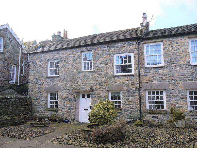 3 Bedrooms Cottage House for sale in 3 Kings Court, Sedbergh