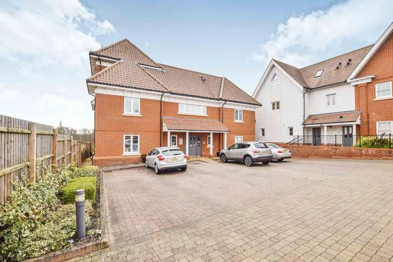 2 Bedrooms Penthouse Flat for sale in Braiswick, Colchester, CO4 5BQ