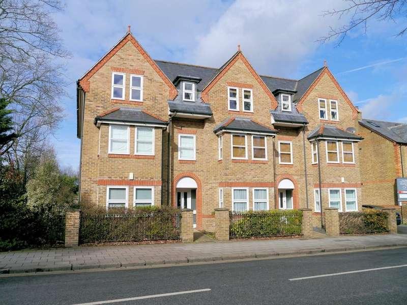 2 Bedrooms Apartment Flat for sale in Transcend, 110 St Leonards Road, Windsor SL4