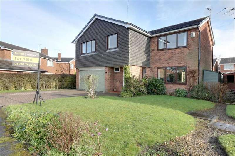 5 Bedrooms Detached House for sale in Henshall Drive, Sandbach
