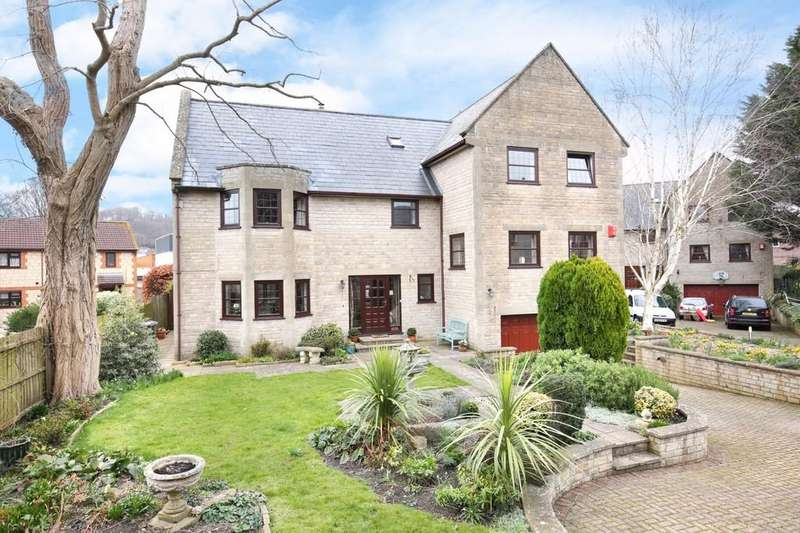 4 Bedrooms Detached House for sale in Warminster, Wiltshire