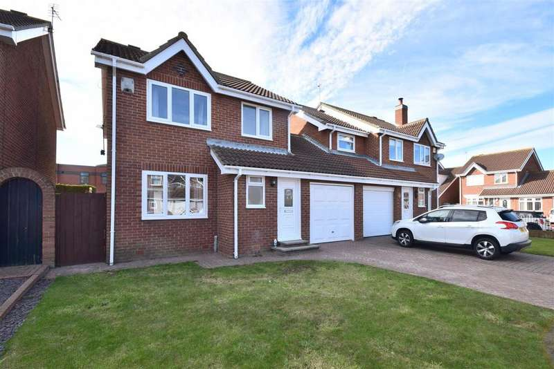 3 Bedrooms Detached House for sale in St. Matthews View, Silksworth, Sunderland