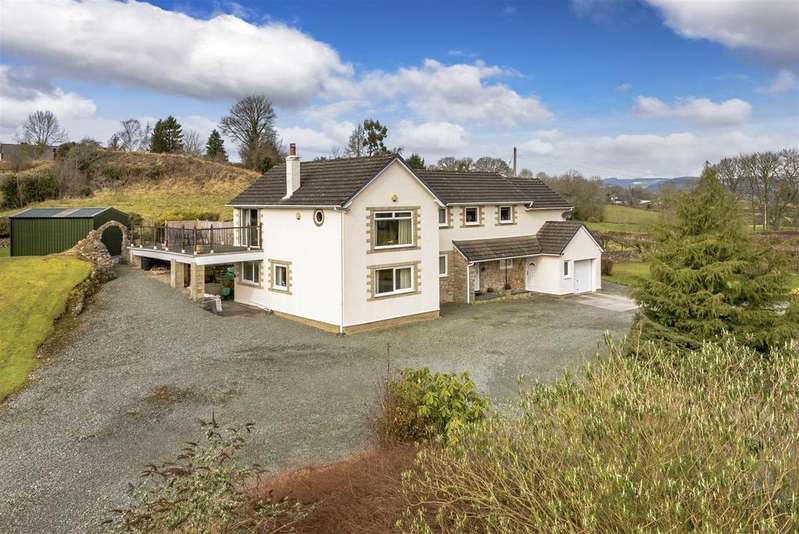 5 Bedrooms Detached House for sale in Treflach, Oswestry