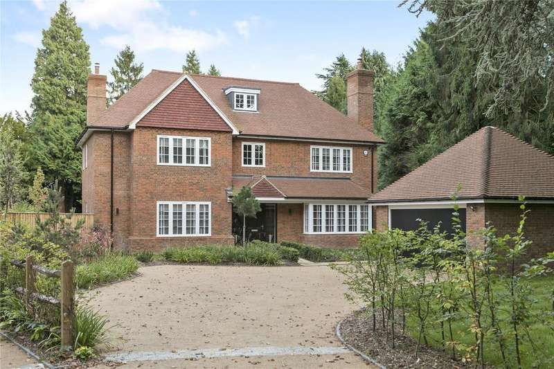 5 Bedrooms Detached House for sale in Egmont Park Road, Walton On The Hill, Surrey, KT20