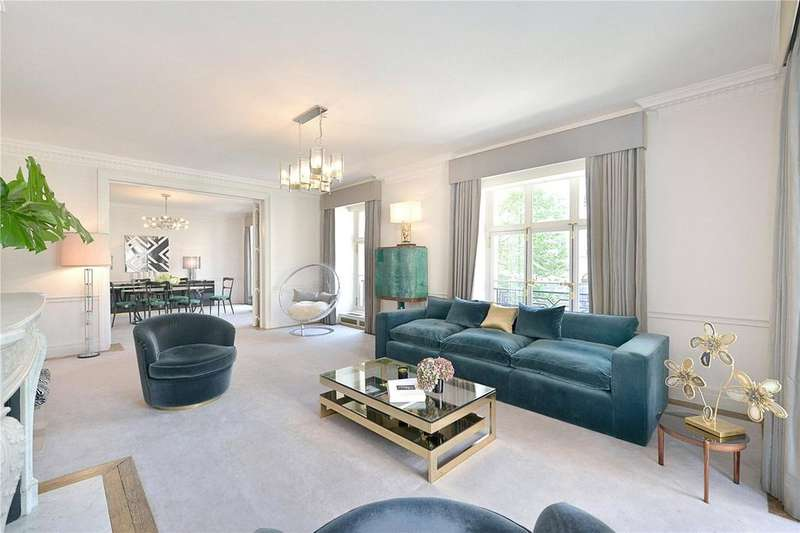 3 Bedrooms Flat for rent in Portland Place, London, W1B