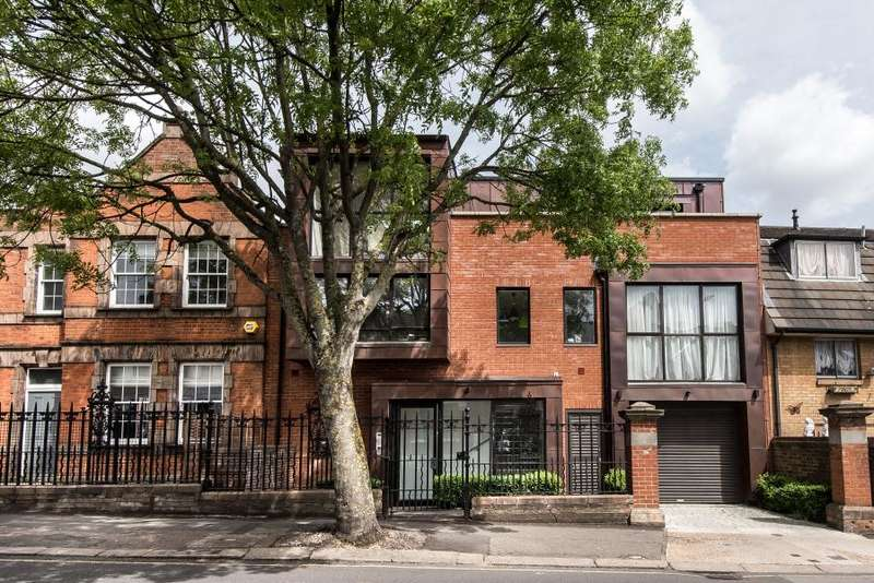 2 Bedrooms Apartment Flat for sale in Winchester Street, Acton W3