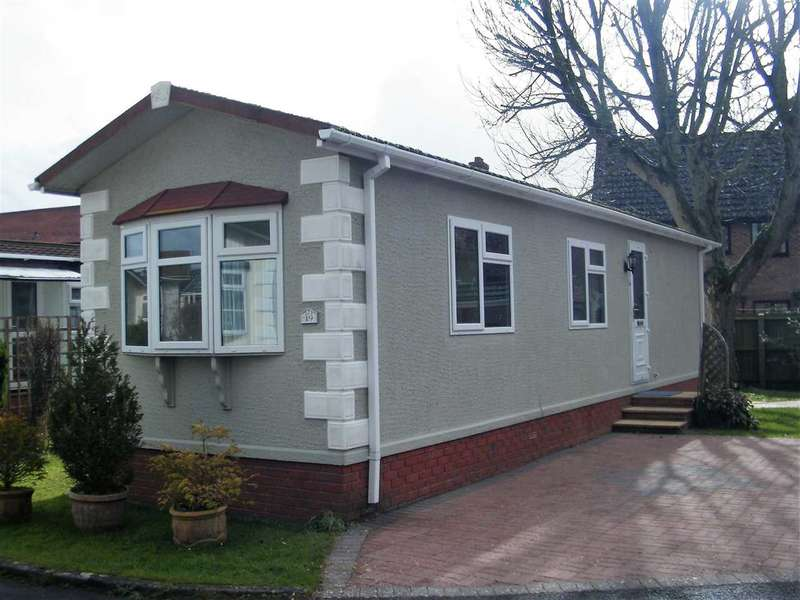 1 Bedroom Bungalow for sale in A well presented one bedroom Park home on the edge of Andover