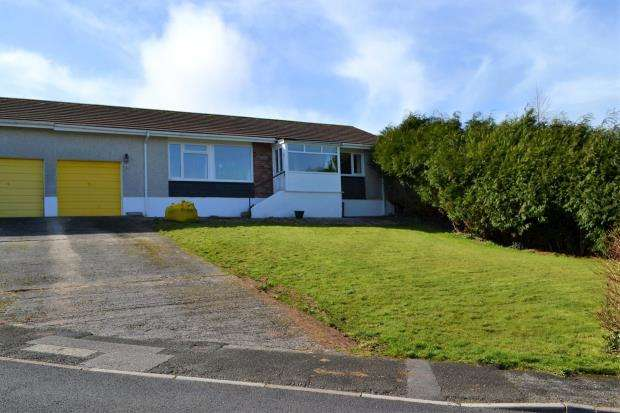 2 Bedrooms Bungalow for sale in Portbyhan Road, Looe, Cornwall