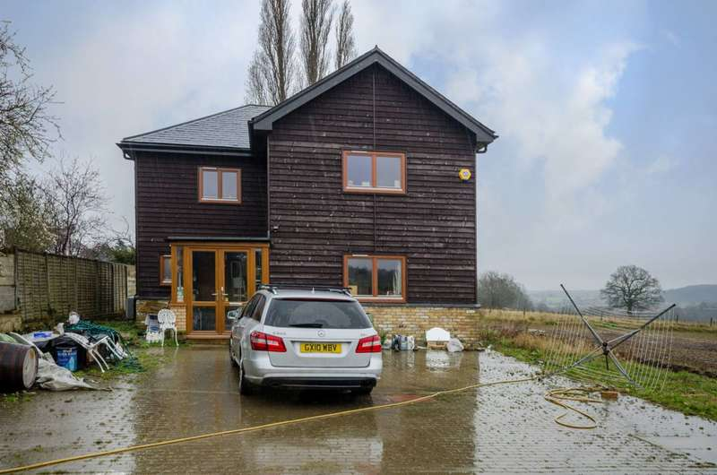 3 Bedrooms House for sale in The Ridgeway, Botany Bay, EN2