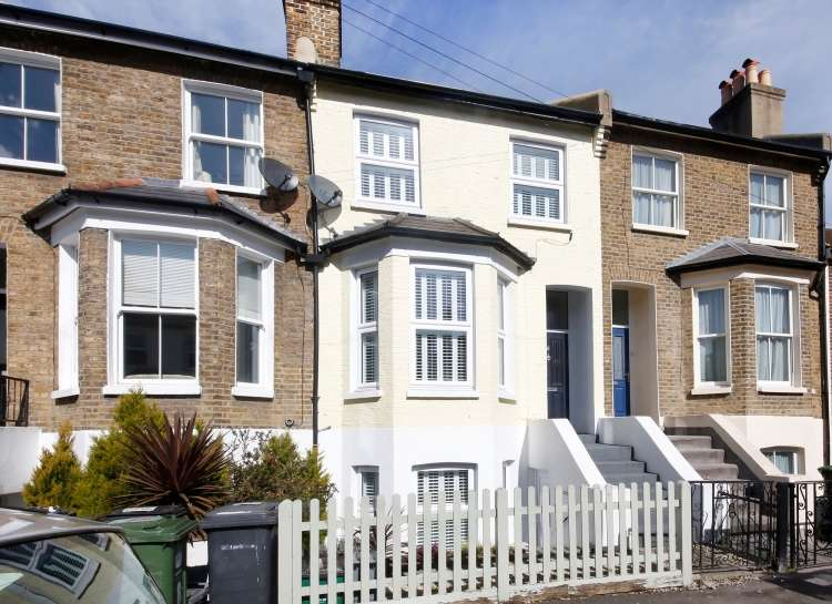 2 Bedrooms Terraced House for sale in Ronver Road London SE12