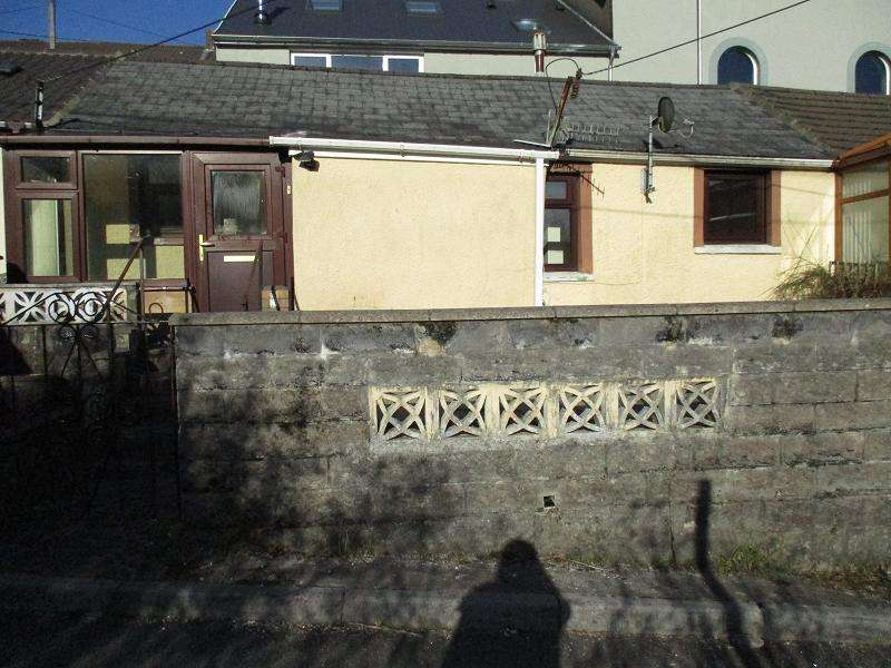 2 Bedrooms Terraced Bungalow for sale in Pantile Row, Glyncorrwg, Port Talbot, Neath Port Talbot.