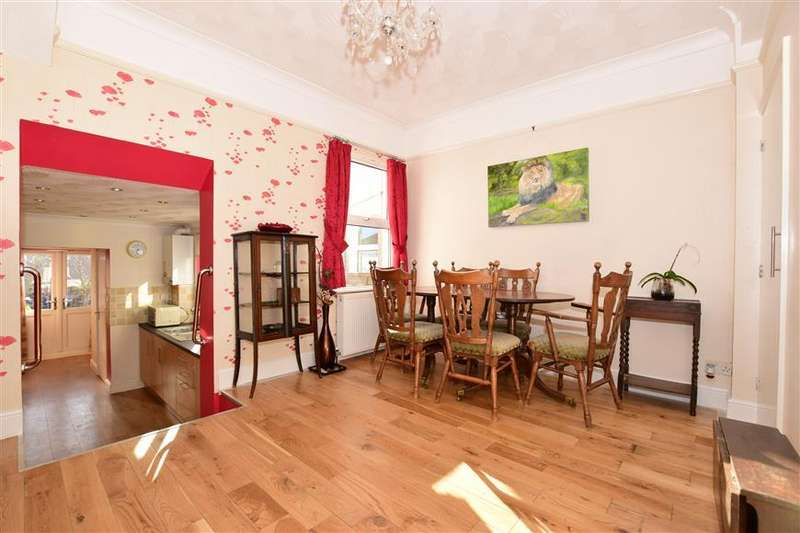 4 Bedrooms Terraced House for sale in Dover Road, Gravesend, Kent