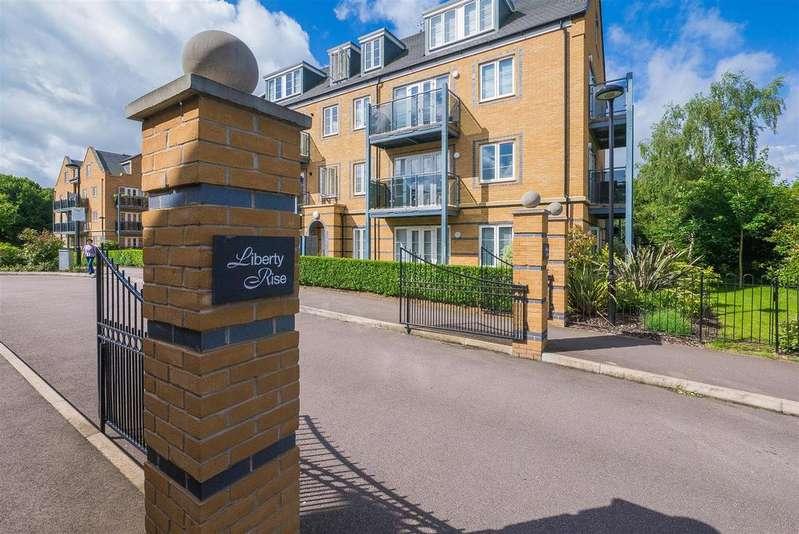 3 Bedrooms Flat for sale in Constables Way, Hertford