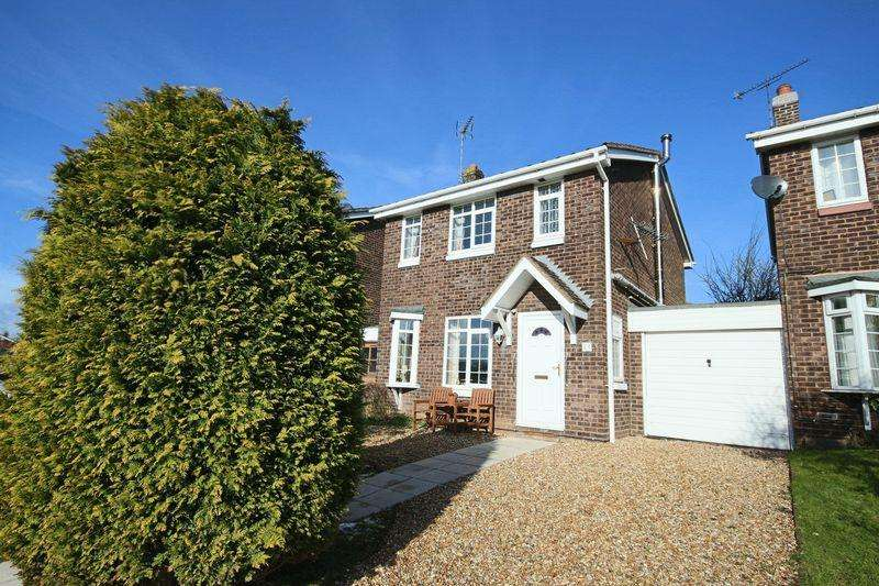 3 Bedrooms Link Detached House for sale in Brookhouse Way, Gnosall, Stafford