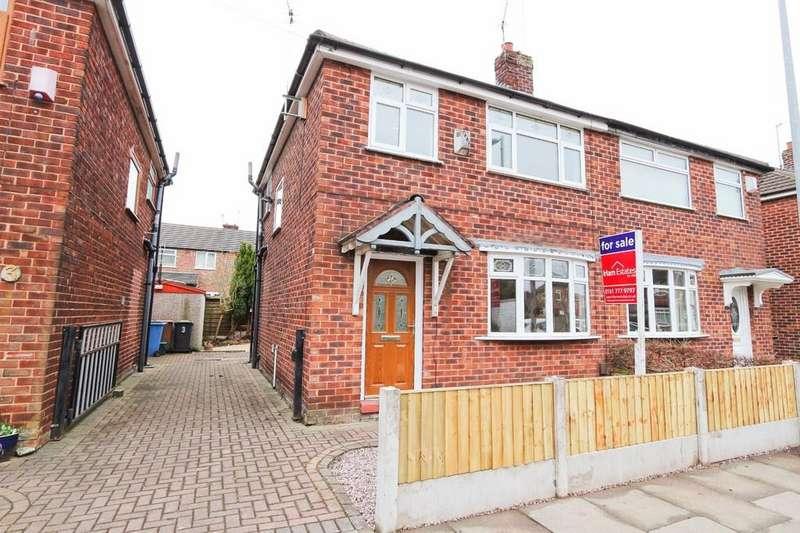 3 Bedrooms Semi Detached House for sale in 5 Laburnum Road, Cadishead