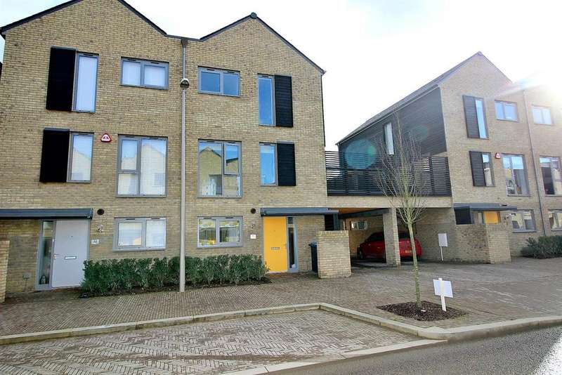 4 Bedrooms Semi Detached House for sale in High Chase, Newhall, Harlow