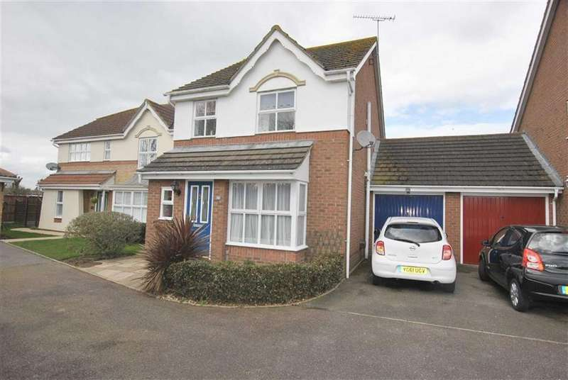 3 Bedrooms Detached House for sale in Larke Rise, Southend On Sea, Essex