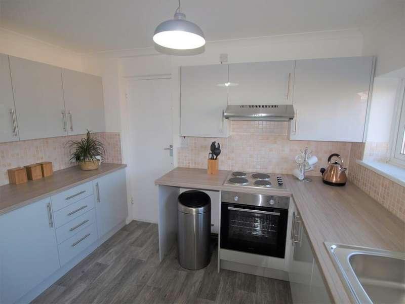 2 Bedrooms Flat for sale in Elizabeth Court, High Street, Polegate BN26 5EN