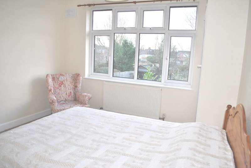 2 Bedrooms Maisonette Flat for rent in Aberdale Gardens EN6