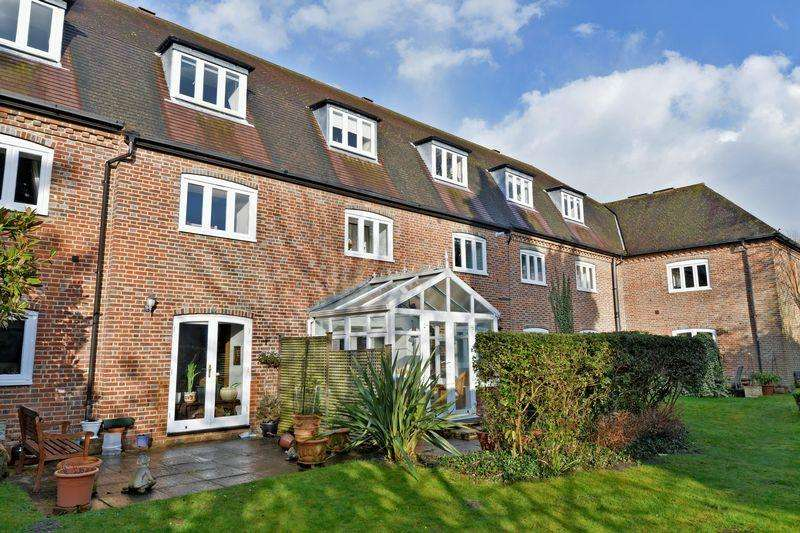 2 Bedrooms Apartment Flat for sale in Hambledon, Godalming