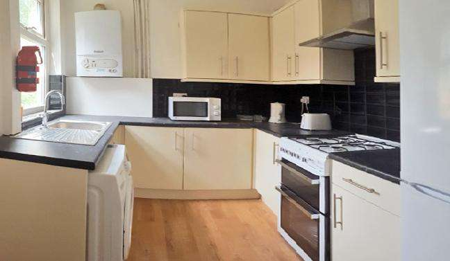 4 Bedrooms Detached House for rent in Rusholme Grove, Manchester M14
