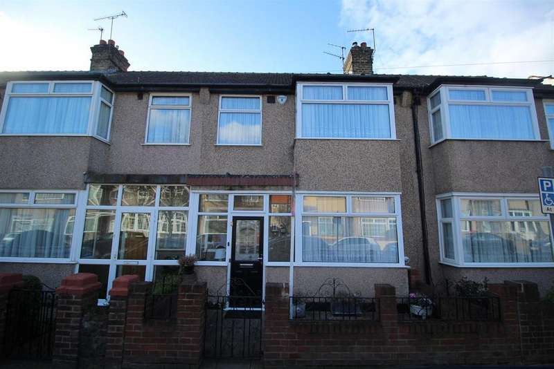 3 Bedrooms Terraced House for sale in Clive Road, Enfield